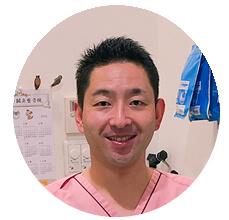 「ベッドマットレスの達人」サイト運営者1人目、現役鍼灸師の白川学